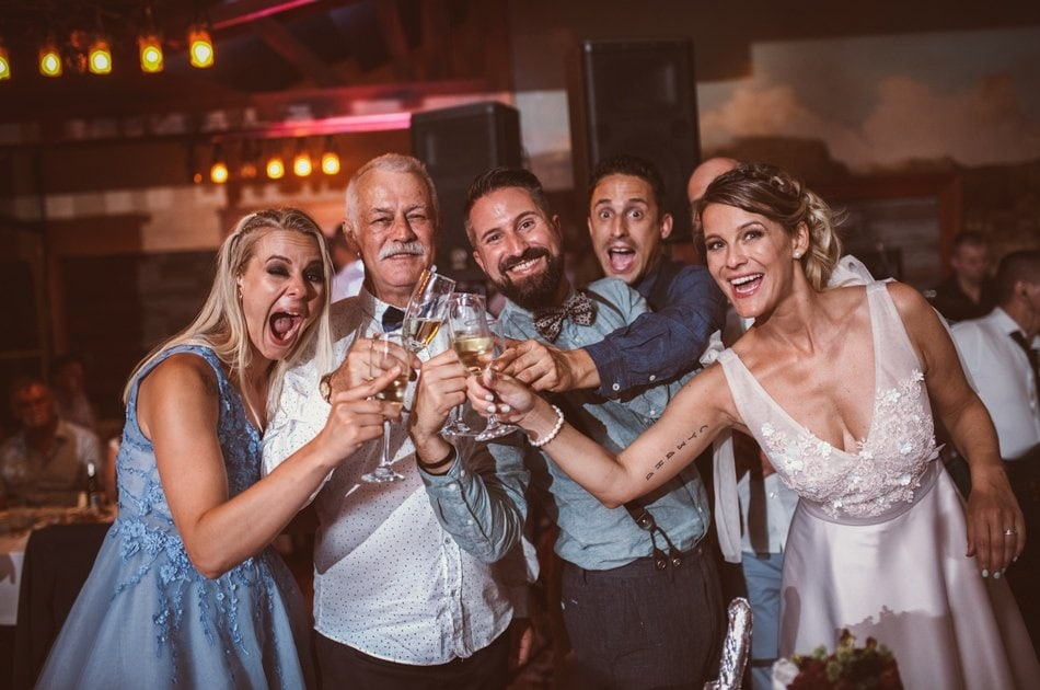 vazni ucesnici na vencanju